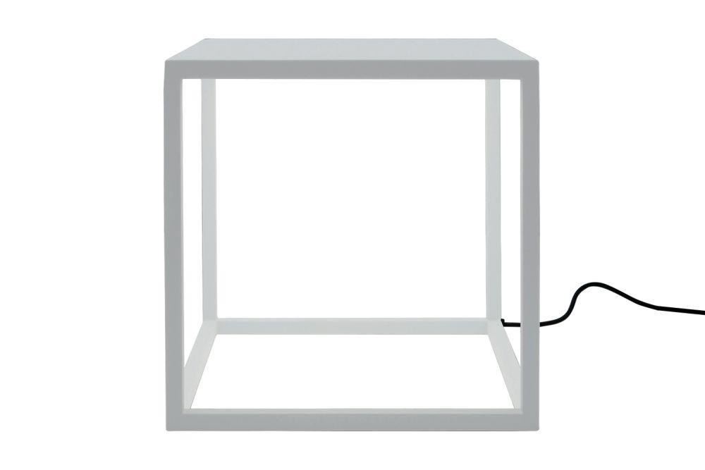 https://res.cloudinary.com/clippings/image/upload/t_big/dpr_auto,f_auto,w_auto/v2/products/blancowhite-c1-square-table-lamp-white-santa-cole-antoni-arola-clippings-1256211.jpg