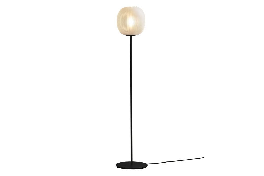 https://res.cloudinary.com/clippings/image/upload/t_big/dpr_auto,f_auto,w_auto/v2/products/bloom-floor-lamp-white-resident-tim-rundle-clippings-11314531.jpg