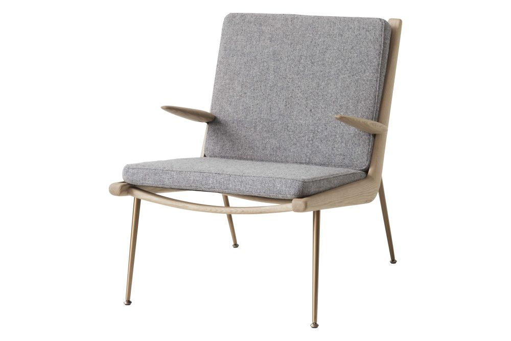 https://res.cloudinary.com/clippings/image/upload/t_big/dpr_auto,f_auto,w_auto/v2/products/boomerang-hm2-lounge-chair-with-armrests-fabric-gr-2-white-oiled-oak-tradition-hvidt-m%C3%B8lgaard-clippings-11359515.jpg