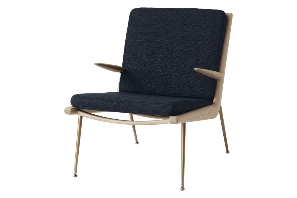 https://res.cloudinary.com/clippings/image/upload/t_big/dpr_auto,f_auto,w_auto/v2/products/boomerang-hm2-lounge-chair-with-armrests-fabric-gr-3-white-oiled-oak-tradition-hvidt-m%C3%B8lgaard-clippings-11359517.jpg
