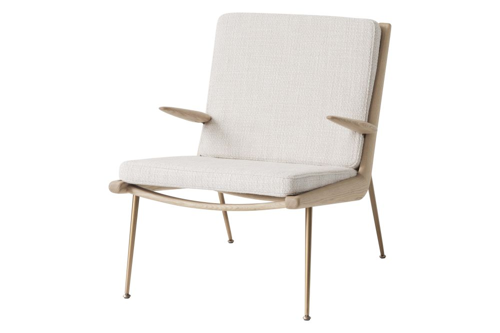 https://res.cloudinary.com/clippings/image/upload/t_big/dpr_auto,f_auto,w_auto/v2/products/boomerang-hm2-lounge-chair-with-armrests-fabric-gr-3-white-oiled-oak-tradition-hvidt-m%C3%B8lgaard-clippings-11359518.jpg