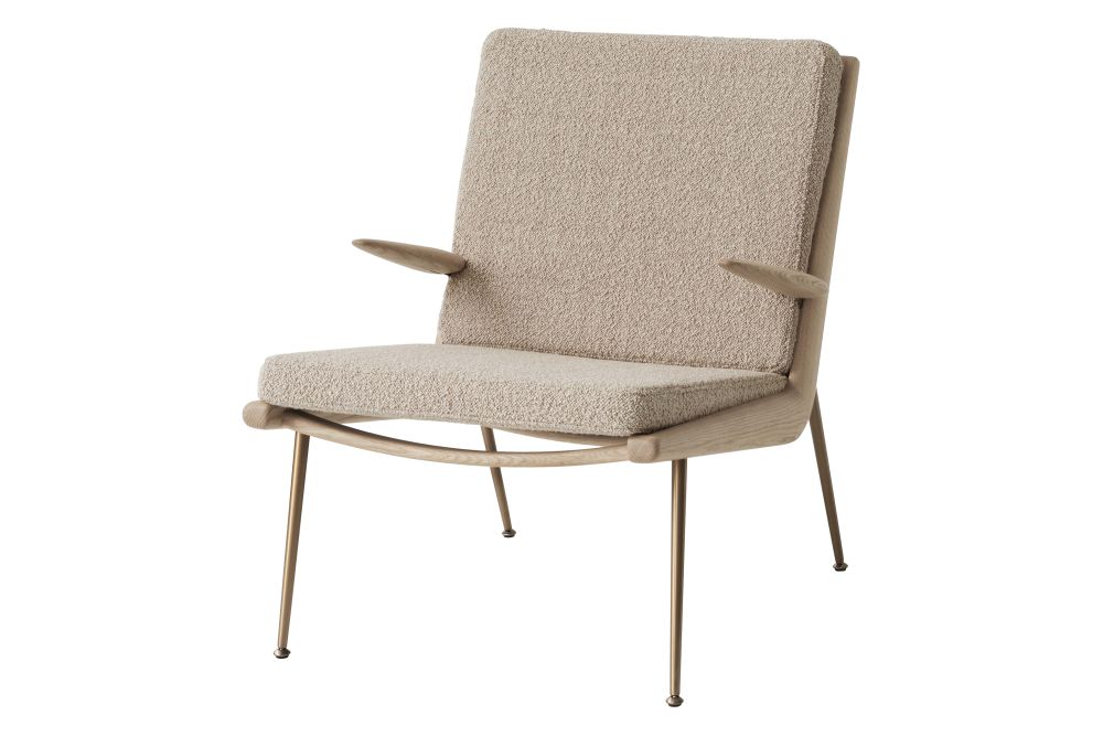 https://res.cloudinary.com/clippings/image/upload/t_big/dpr_auto,f_auto,w_auto/v2/products/boomerang-hm2-lounge-chair-with-armrests-fabric-gr-4-white-oiled-oak-tradition-hvidt-m%C3%B8lgaard-clippings-11359519.jpg
