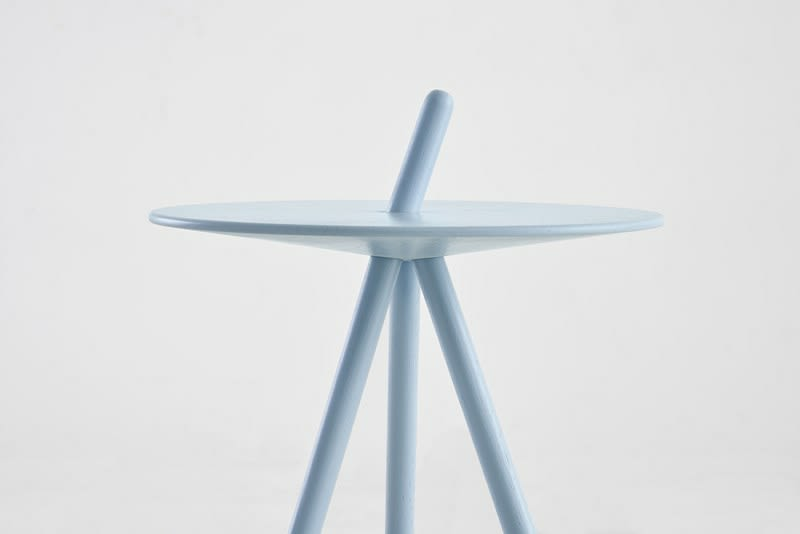 https://res.cloudinary.com/clippings/image/upload/t_big/dpr_auto,f_auto,w_auto/v2/products/come-here-side-table-light-blue-woud-steffen-juul-clippings-9278871.jpg