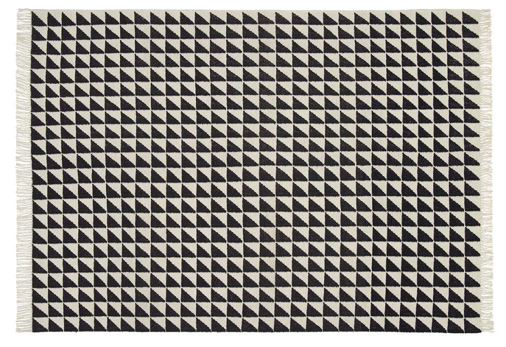 https://res.cloudinary.com/clippings/image/upload/t_big/dpr_auto,f_auto,w_auto/v2/products/cp04-iza-carpet-black-white-120x80-cm-e15-philipp-mainzer-clippings-1584391.jpg