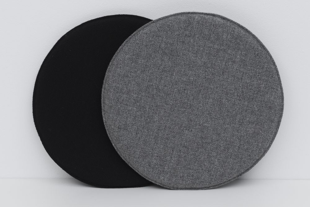Steelcut Trio 2 105,Pastoe,Cushions,black,circle,grey,placemat