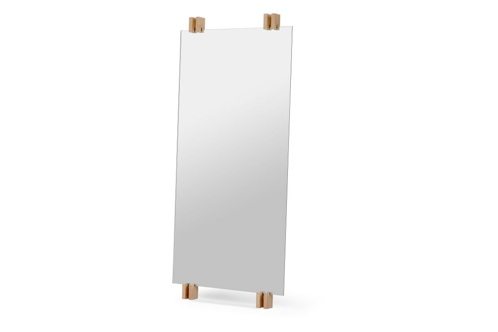 https://res.cloudinary.com/clippings/image/upload/t_big/dpr_auto,f_auto,w_auto/v2/products/cutter-standing-mirror-natural-oak-skagerak-niels-hvass-clippings-11288871.jpg