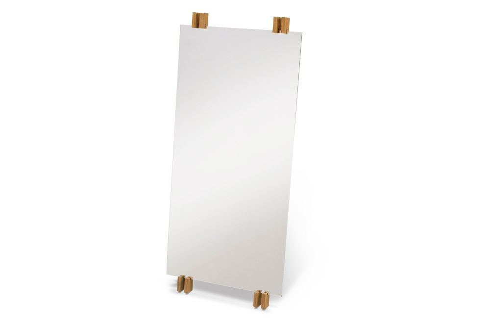 https://res.cloudinary.com/clippings/image/upload/t_big/dpr_auto,f_auto,w_auto/v2/products/cutter-standing-mirror-natural-teak-skagerak-niels-hvass-clippings-11288869.jpg