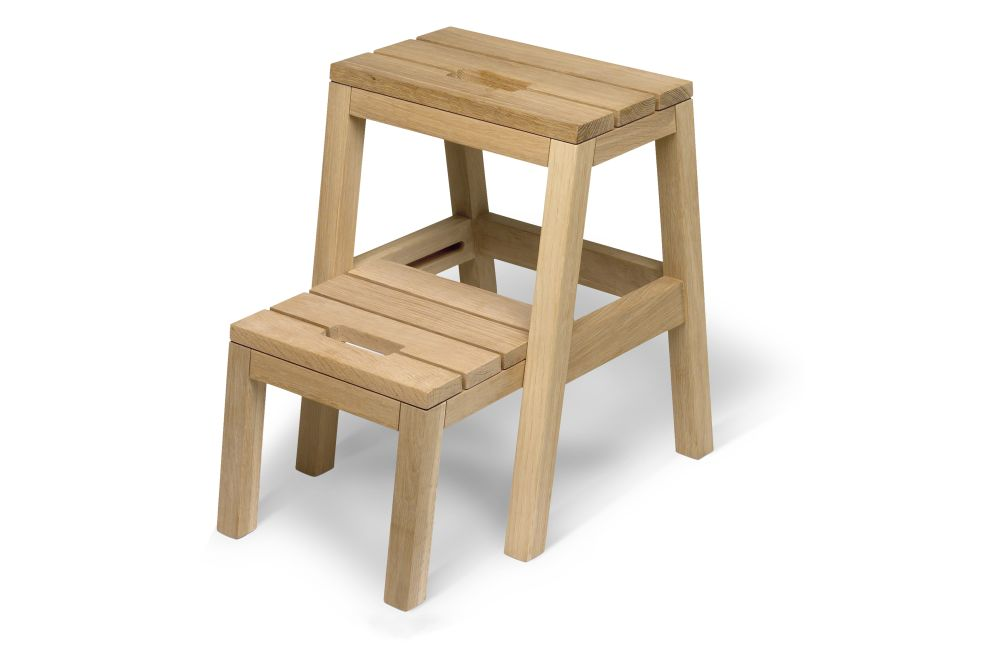 https://res.cloudinary.com/clippings/image/upload/t_big/dpr_auto,f_auto,w_auto/v2/products/dania-step-ladder-natural-oak-skagerak-designit-clippings-11289116.jpg