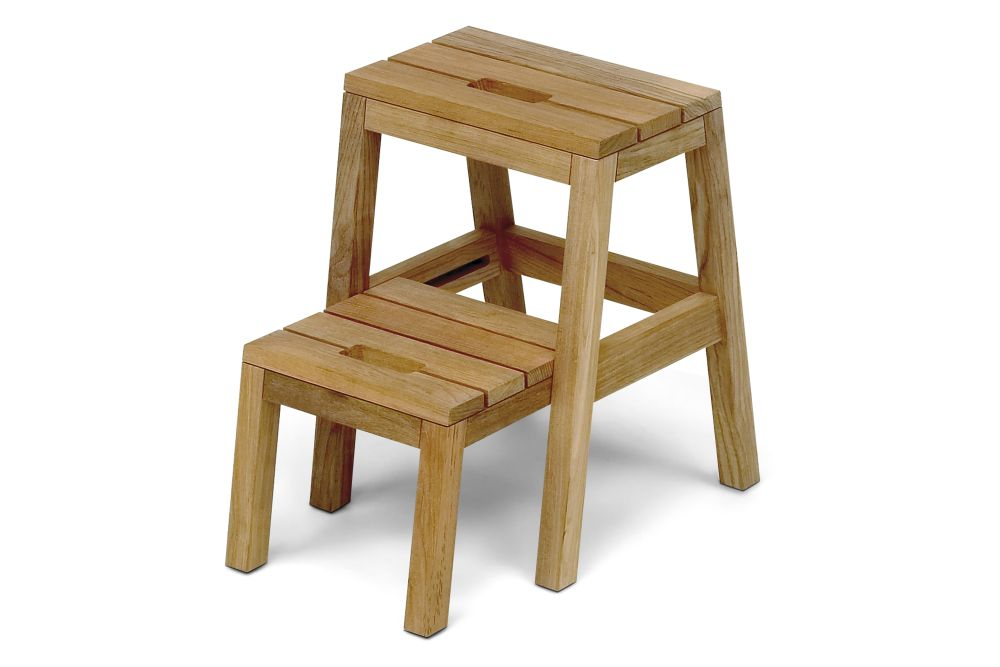 https://res.cloudinary.com/clippings/image/upload/t_big/dpr_auto,f_auto,w_auto/v2/products/dania-step-ladder-natural-teak-skagerak-designit-clippings-11289115.jpg