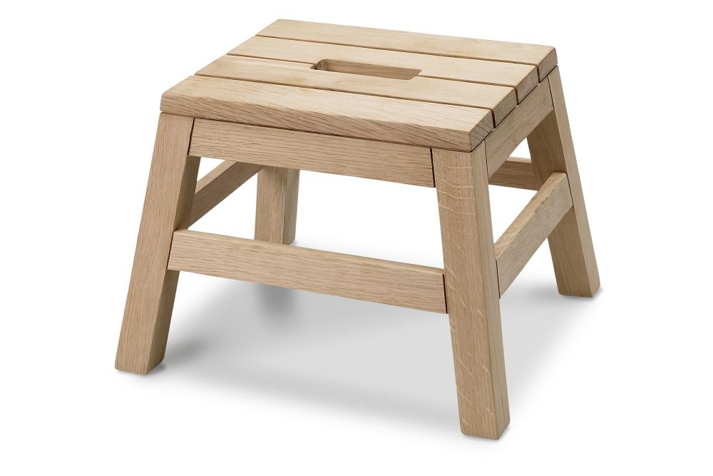 https://res.cloudinary.com/clippings/image/upload/t_big/dpr_auto,f_auto,w_auto/v2/products/dania-stool-natural-oak-skagerak-designit-clippings-11288866.jpg