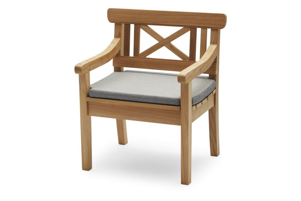 https://res.cloudinary.com/clippings/image/upload/t_big/dpr_auto,f_auto,w_auto/v2/products/drachmann-chair-with-cushion-teak-ash-skagerak-bernt-santesson-clippings-11300772.jpg