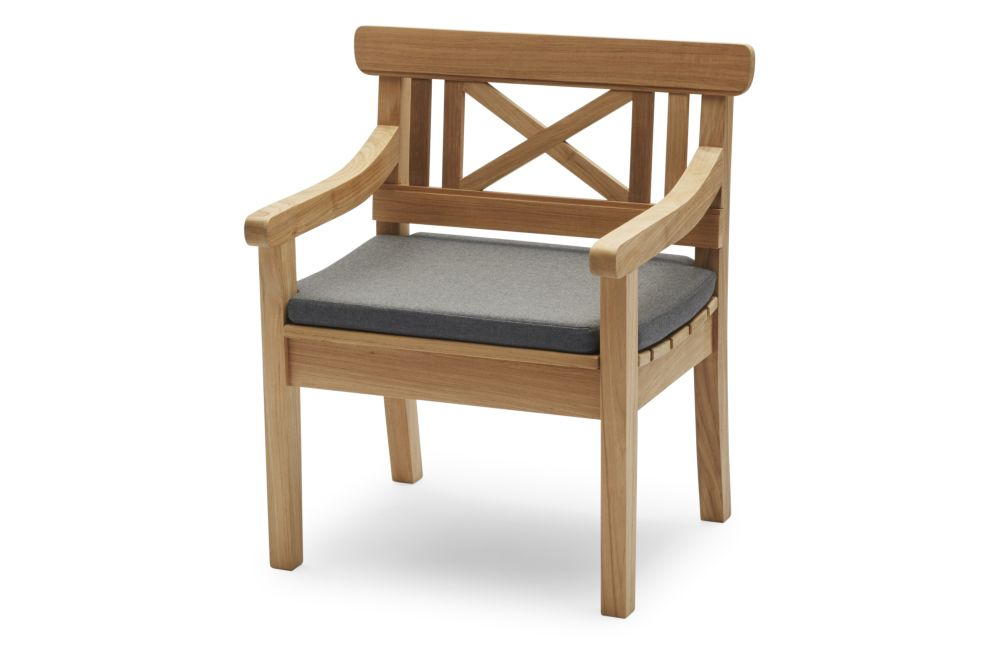 https://res.cloudinary.com/clippings/image/upload/t_big/dpr_auto,f_auto,w_auto/v2/products/drachmann-chair-with-cushion-teak-charcoal-skagerak-bernt-santesson-clippings-11300774.jpg