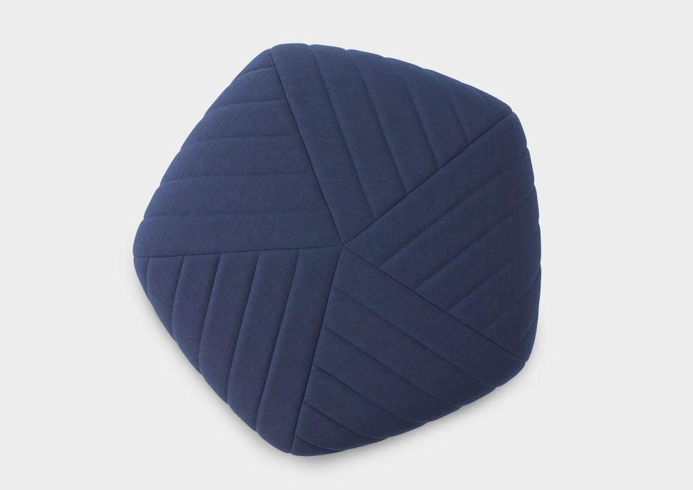 https://res.cloudinary.com/clippings/image/upload/t_big/dpr_auto,f_auto,w_auto/v2/products/five-pouf-dark-blue-remix-773-muuto-anderssen-voll-clippings-8732581.jpg