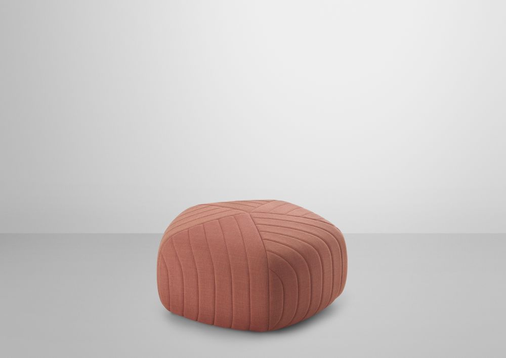 https://res.cloudinary.com/clippings/image/upload/t_big/dpr_auto,f_auto,w_auto/v2/products/five-pouf-muuto-anderssen-voll-clippings-8732491.jpg