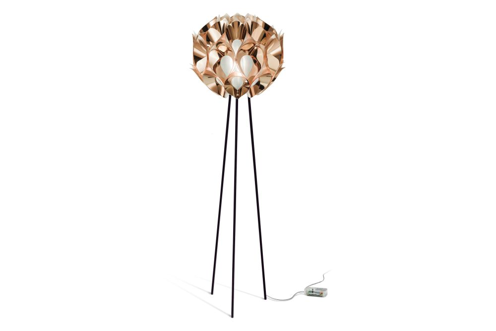 https://res.cloudinary.com/clippings/image/upload/t_big/dpr_auto,f_auto,w_auto/v2/products/flora-floor-lamp-copper-metal-slamp-zanini-de-zanine-clippings-11189901.jpg