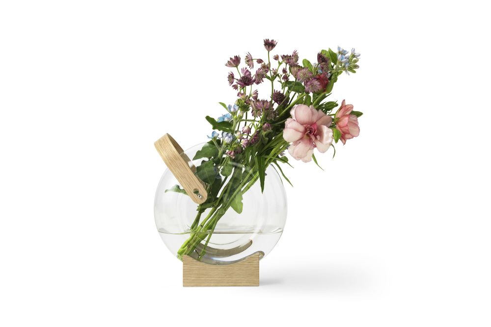 https://res.cloudinary.com/clippings/image/upload/t_big/dpr_auto,f_auto,w_auto/v2/products/handle-vase-set-of-2-mater-eva-harlou-clippings-11122285.jpg