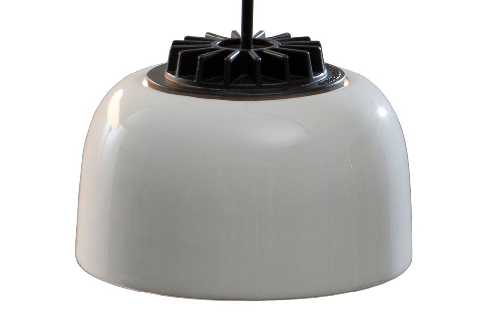 https://res.cloudinary.com/clippings/image/upload/t_big/dpr_auto,f_auto,w_auto/v2/products/headhat-ceramic-pendant-light-small-santa-cole-clippings-1256311.jpg
