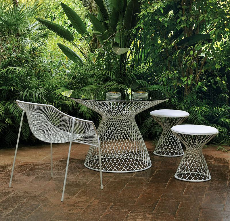https://res.cloudinary.com/clippings/image/upload/t_big/dpr_auto,f_auto,w_auto/v2/products/heaven-lounge-chair-set-of-2-matt-white-emu-jean-marie-massaud-clippings-8762971.jpg