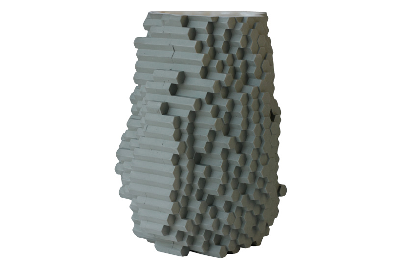 https://res.cloudinary.com/clippings/image/upload/t_big/dpr_auto,f_auto,w_auto/v2/products/hexagonal-pixel-vase-julian-f-bond-clippings-1266981.png