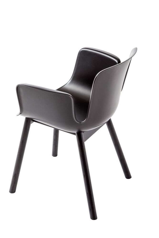 https://res.cloudinary.com/clippings/image/upload/t_big/dpr_auto,f_auto,w_auto/v2/products/juli-plastic-armchair-with-wooden-legs-jbi-ral-pure-white-9010-412-polished-aluminium-frassino-ash-wood-113-cappellini-werner-aisslinger-clippings-10821721.jpg