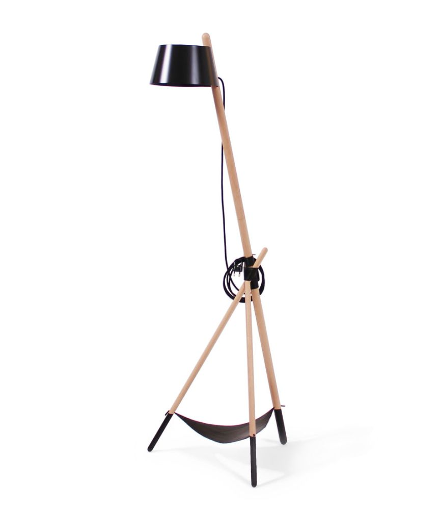 https://res.cloudinary.com/clippings/image/upload/t_big/dpr_auto,f_auto,w_auto/v2/products/ka-m-floor-lamp-black-with-leather-tray-woodendot-mar%C3%ADa-vargas-daniel-garc%C3%ADa-clippings-8622451.jpg