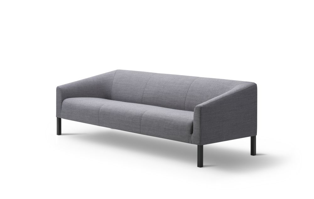https://res.cloudinary.com/clippings/image/upload/t_big/dpr_auto,f_auto,w_auto/v2/products/kile-sofa-3-seater-lacquered-oak-remix-2-113-fredericia-jasper-morrison-clippings-9426911.jpg