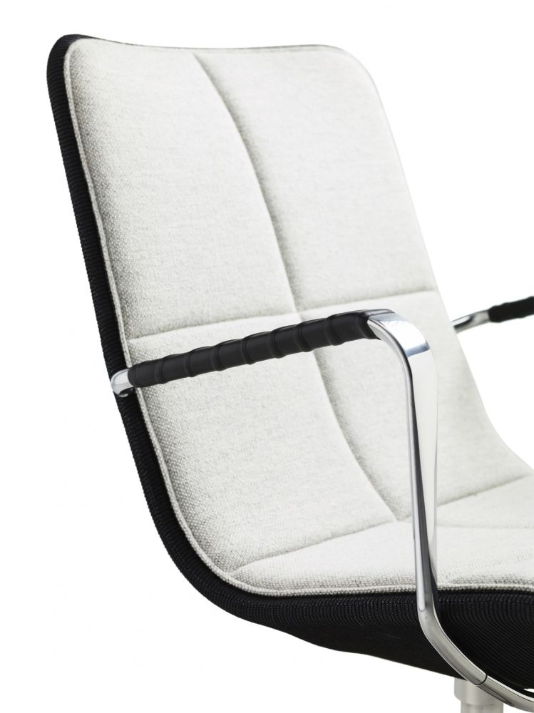 https://res.cloudinary.com/clippings/image/upload/t_big/dpr_auto,f_auto,w_auto/v2/products/kite-low-back-swivel-chair-light-grey-net-white-lacquered-main-line-flax-newbury-swedese-clippings-10702851.jpg