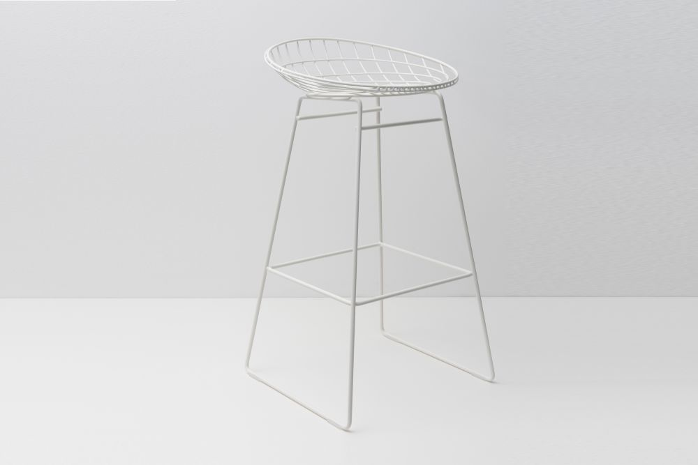 https://res.cloudinary.com/clippings/image/upload/t_big/dpr_auto,f_auto,w_auto/v2/products/km07-bar-stool-paper-white-pastoe-cees-braakman-and-adriaan-dekker-clippings-1397661.jpg