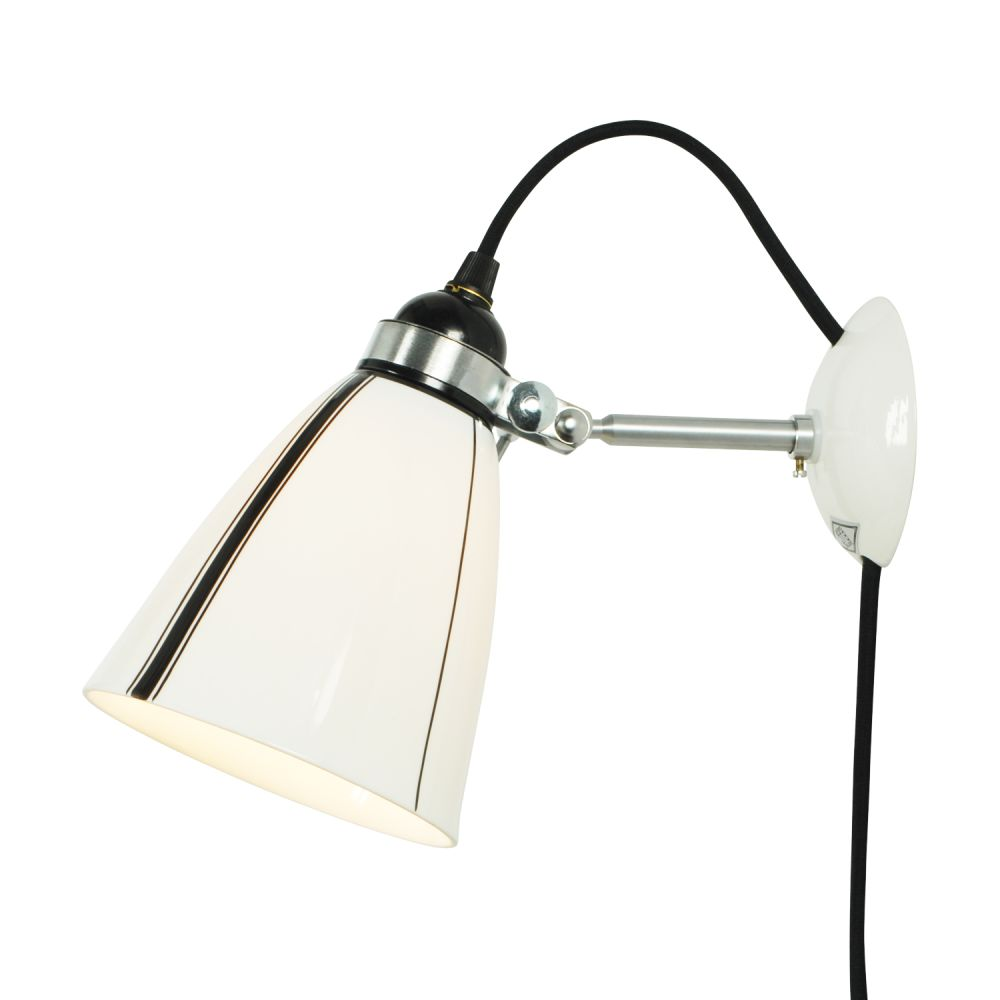 https://res.cloudinary.com/clippings/image/upload/t_big/dpr_auto,f_auto,w_auto/v2/products/linear-wall-light-with-plug-original-btc-clippings-1634571.jpg
