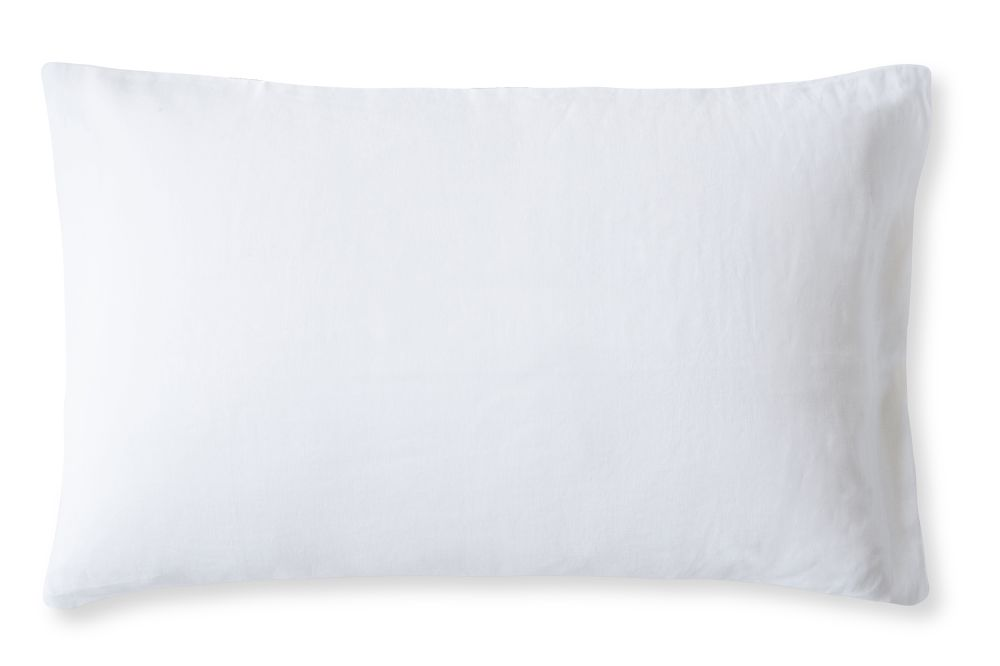 https://res.cloudinary.com/clippings/image/upload/t_big/dpr_auto,f_auto,w_auto/v2/products/linen-pillowcase-classic-white-housewife-the-linen-works-clippings-1365051.jpg