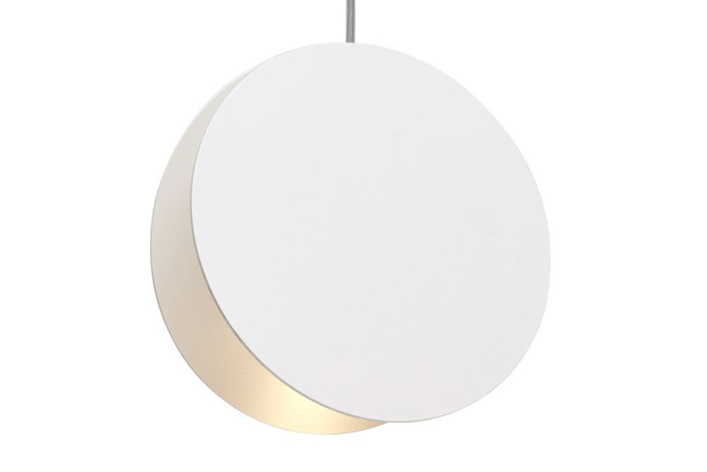 https://res.cloudinary.com/clippings/image/upload/t_big/dpr_auto,f_auto,w_auto/v2/products/lt05-north-pendant-light-signal-white-large-e15-eva-marguerre-marcel-besau-clippings-1396661.jpg