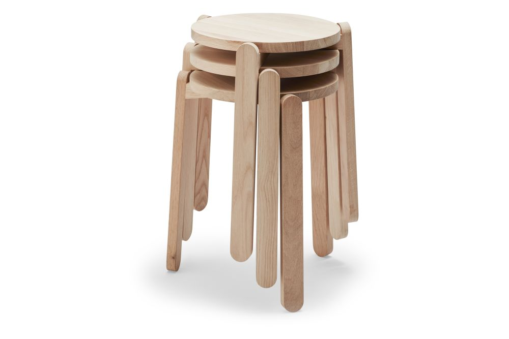 https://res.cloudinary.com/clippings/image/upload/t_big/dpr_auto,f_auto,w_auto/v2/products/nomad-stool-skagerak-ve2-clippings-11300902.jpg