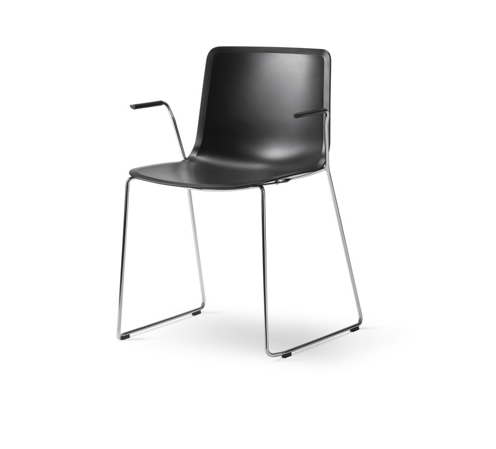 https://res.cloudinary.com/clippings/image/upload/t_big/dpr_auto,f_auto,w_auto/v2/products/pato-sledge-armchair-chrome-quartz-grey-fredericia-welling-ludvik-clippings-9429131.jpg