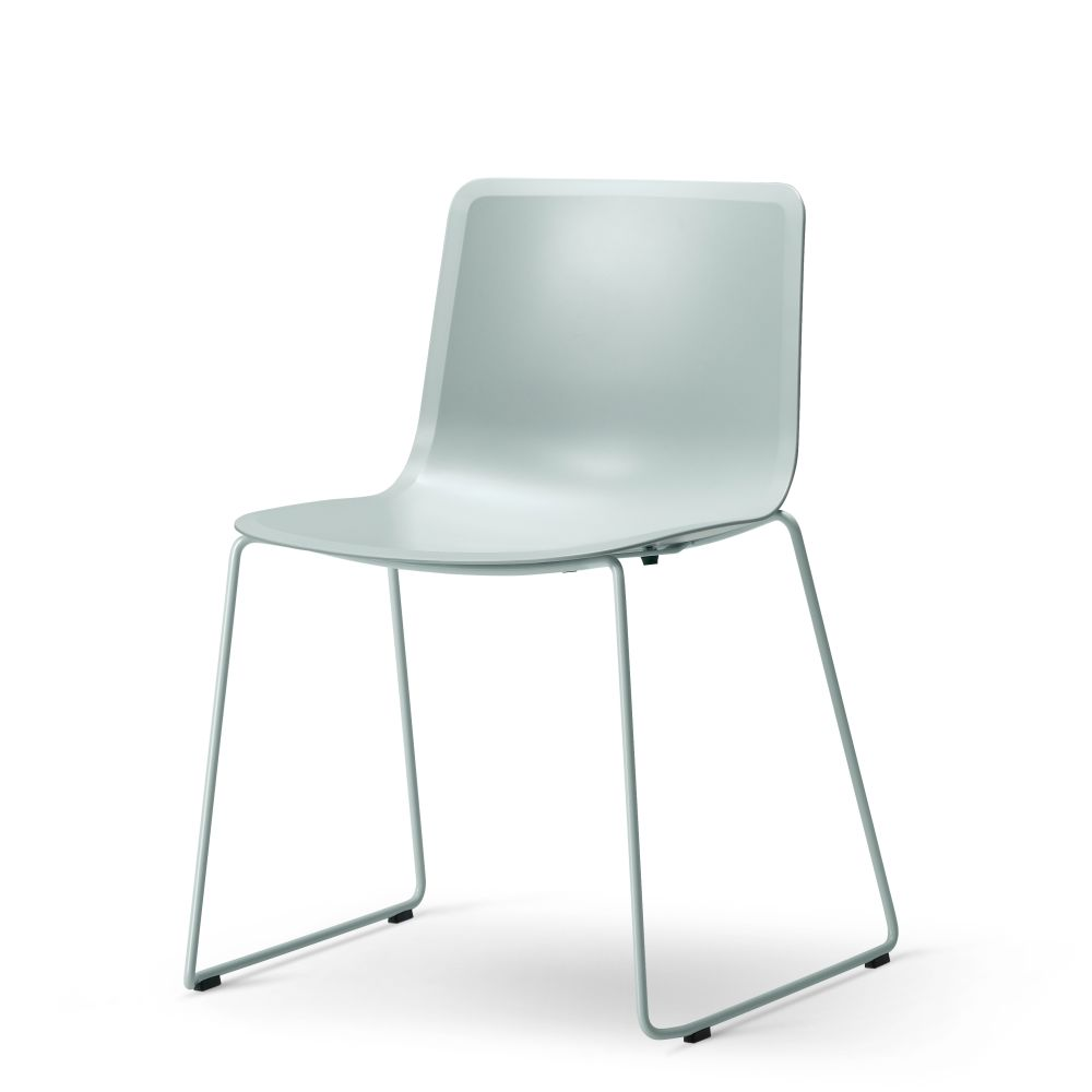 https://res.cloudinary.com/clippings/image/upload/t_big/dpr_auto,f_auto,w_auto/v2/products/pato-sledge-chair-chrome-quartz-grey-fredericia-welling-ludvik-clippings-9428941.jpg