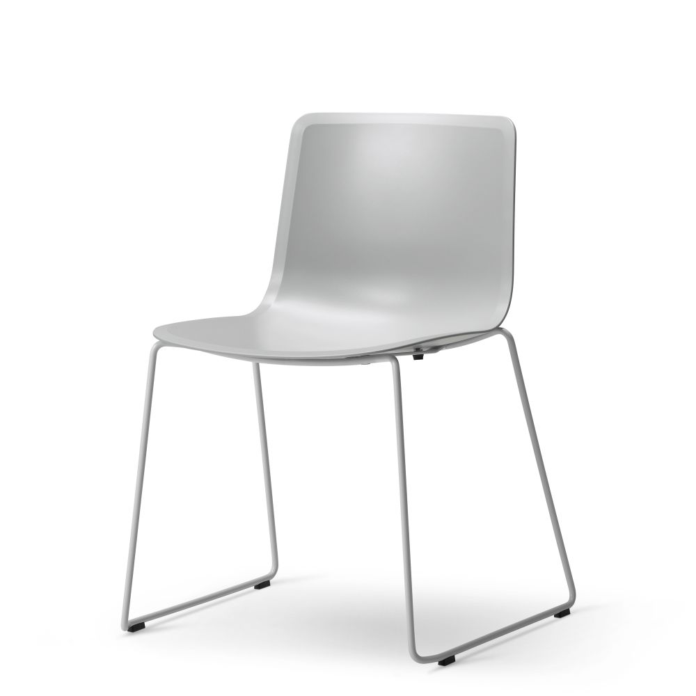 https://res.cloudinary.com/clippings/image/upload/t_big/dpr_auto,f_auto,w_auto/v2/products/pato-sledge-chair-chrome-quartz-grey-fredericia-welling-ludvik-clippings-9428961.jpg