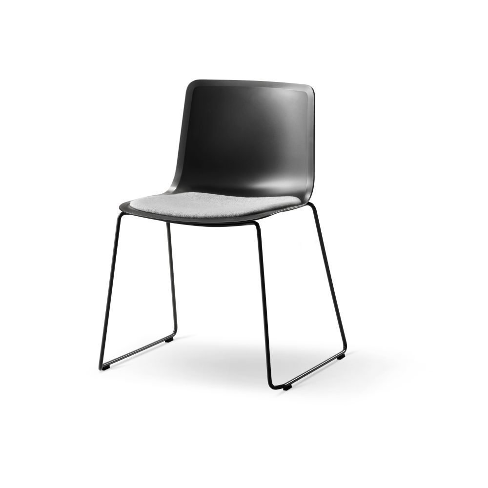 https://res.cloudinary.com/clippings/image/upload/t_big/dpr_auto,f_auto,w_auto/v2/products/pato-sledge-chair-with-seat-upholstery-fredericia-welling-ludvik-clippings-9409071.jpg