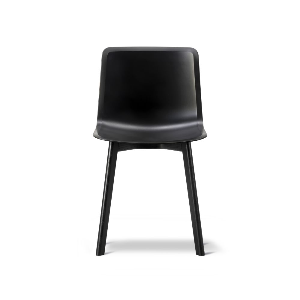 https://res.cloudinary.com/clippings/image/upload/t_big/dpr_auto,f_auto,w_auto/v2/products/pato-wood-base-chair-fredericia-welling-ludvik-clippings-9404921.jpg