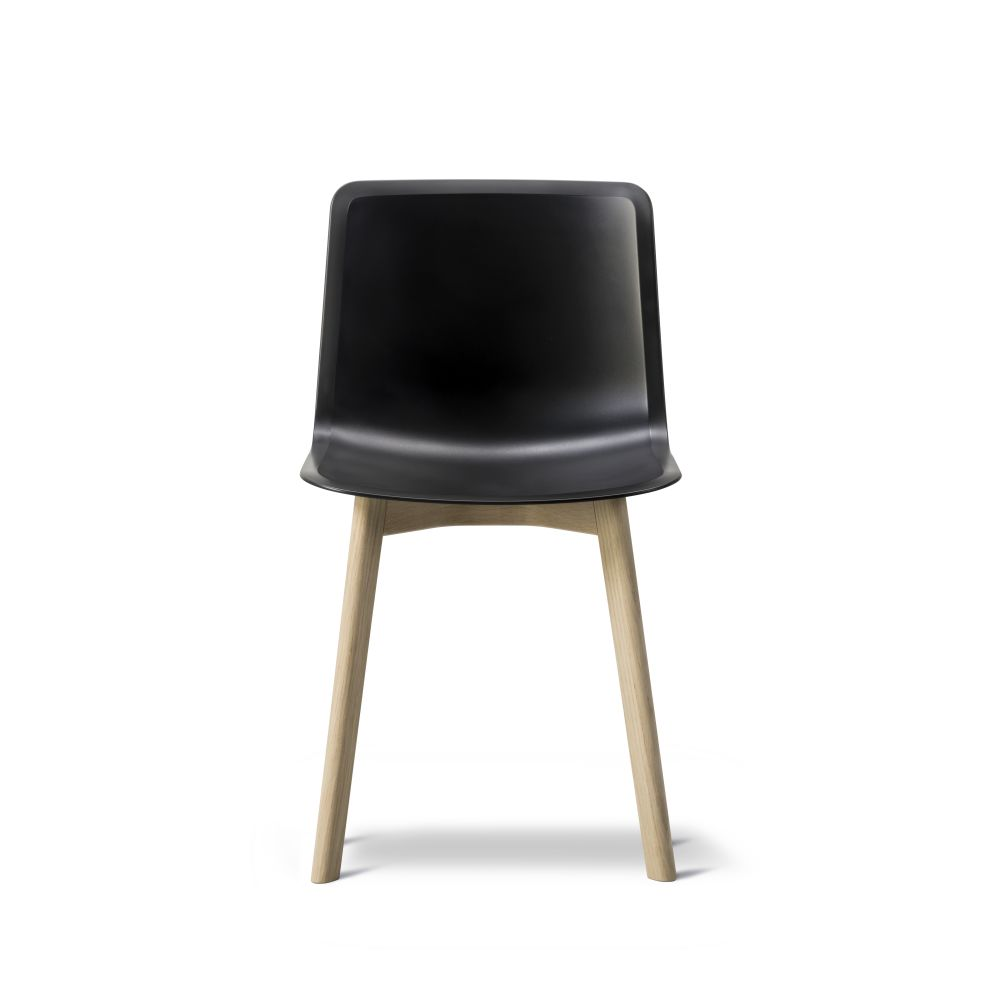 https://res.cloudinary.com/clippings/image/upload/t_big/dpr_auto,f_auto,w_auto/v2/products/pato-wood-base-chair-fredericia-welling-ludvik-clippings-9404931.jpg