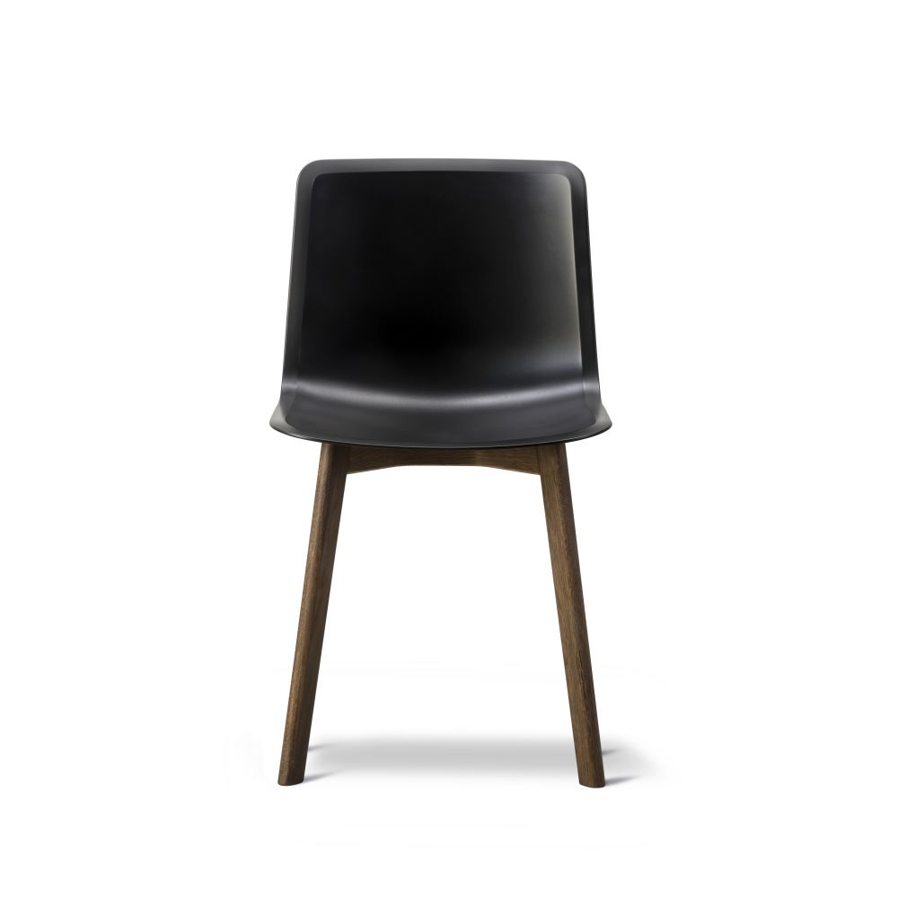 https://res.cloudinary.com/clippings/image/upload/t_big/dpr_auto,f_auto,w_auto/v2/products/pato-wood-base-chair-fredericia-welling-ludvik-clippings-9404941.jpg