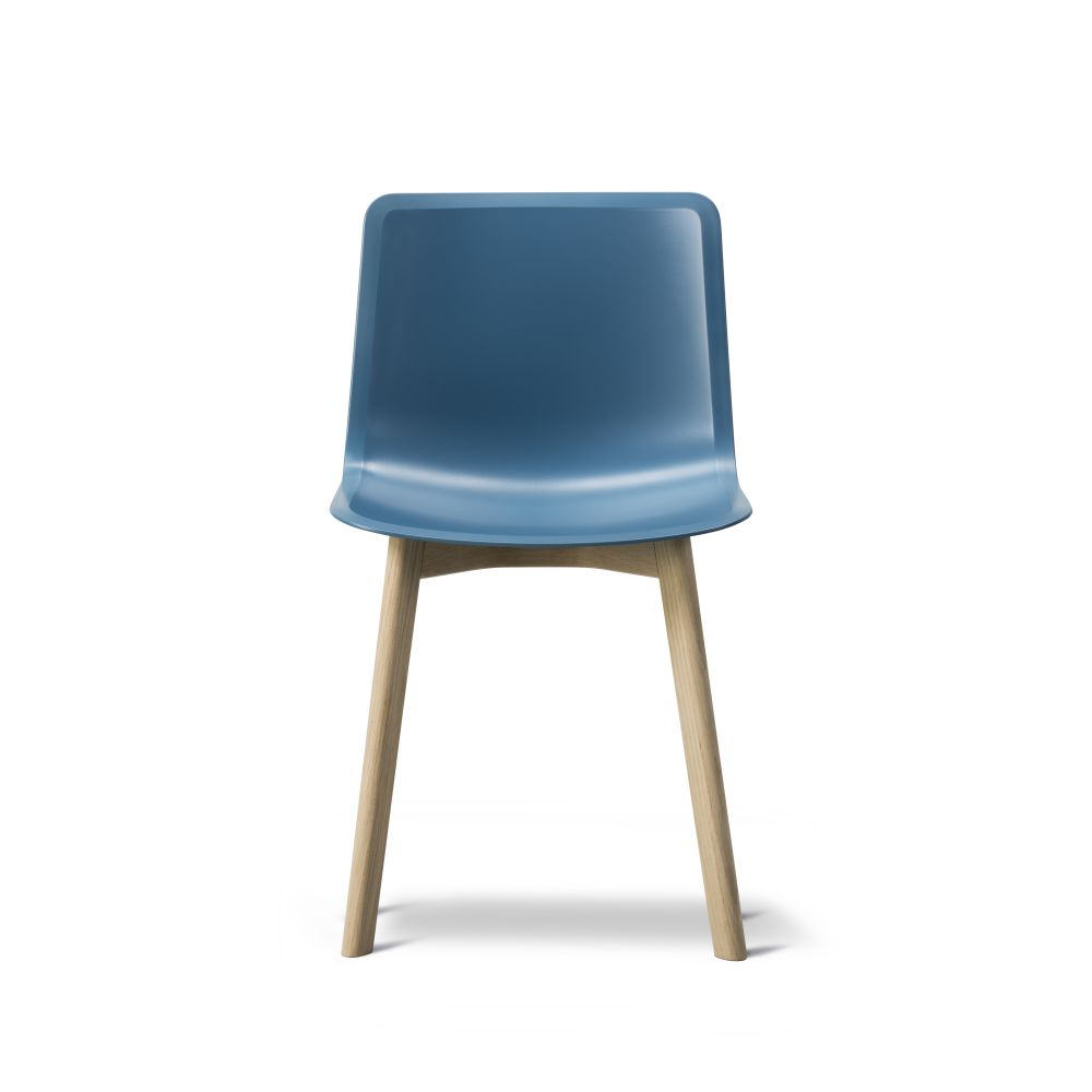 https://res.cloudinary.com/clippings/image/upload/t_big/dpr_auto,f_auto,w_auto/v2/products/pato-wood-base-chair-fredericia-welling-ludvik-clippings-9404951.jpg