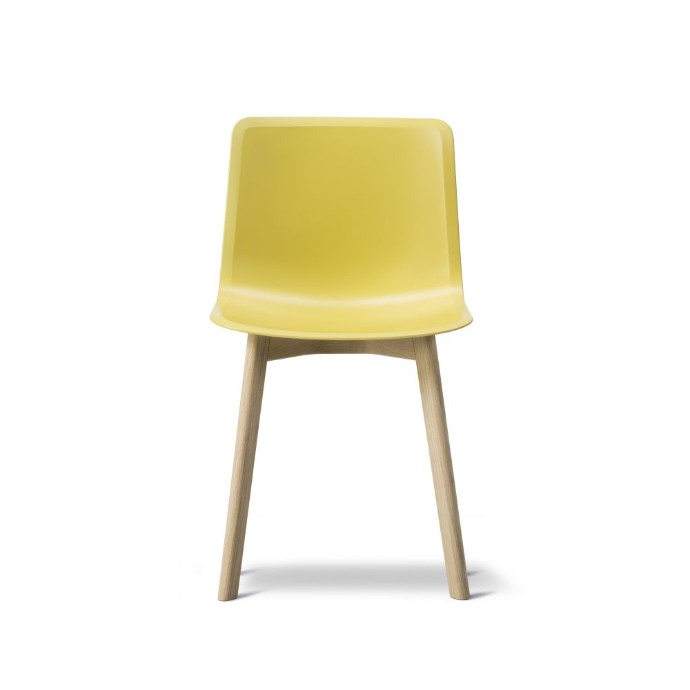 https://res.cloudinary.com/clippings/image/upload/t_big/dpr_auto,f_auto,w_auto/v2/products/pato-wood-base-chair-fredericia-welling-ludvik-clippings-9404981.jpg
