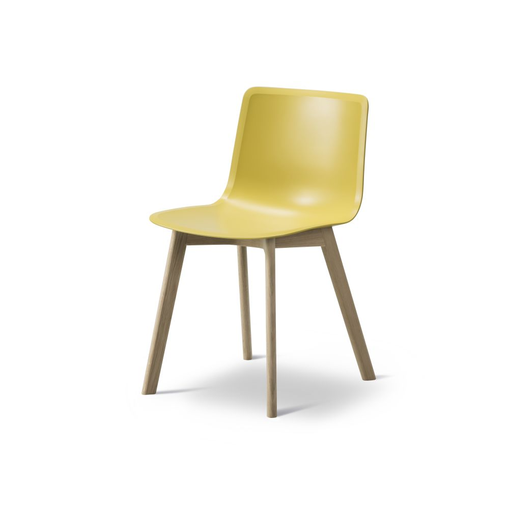 https://res.cloudinary.com/clippings/image/upload/t_big/dpr_auto,f_auto,w_auto/v2/products/pato-wood-base-chair-fredericia-welling-ludvik-clippings-9405121.jpg