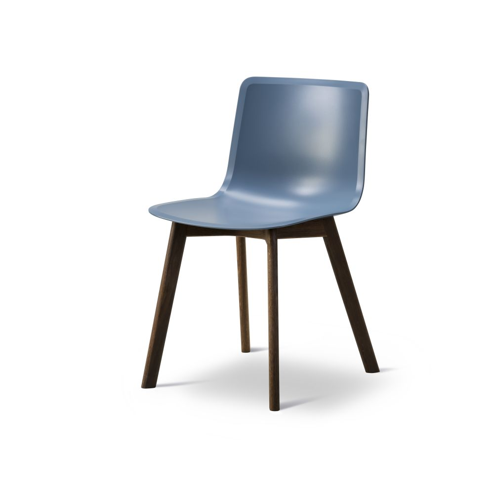 https://res.cloudinary.com/clippings/image/upload/t_big/dpr_auto,f_auto,w_auto/v2/products/pato-wood-base-chair-fredericia-welling-ludvik-clippings-9405171.jpg