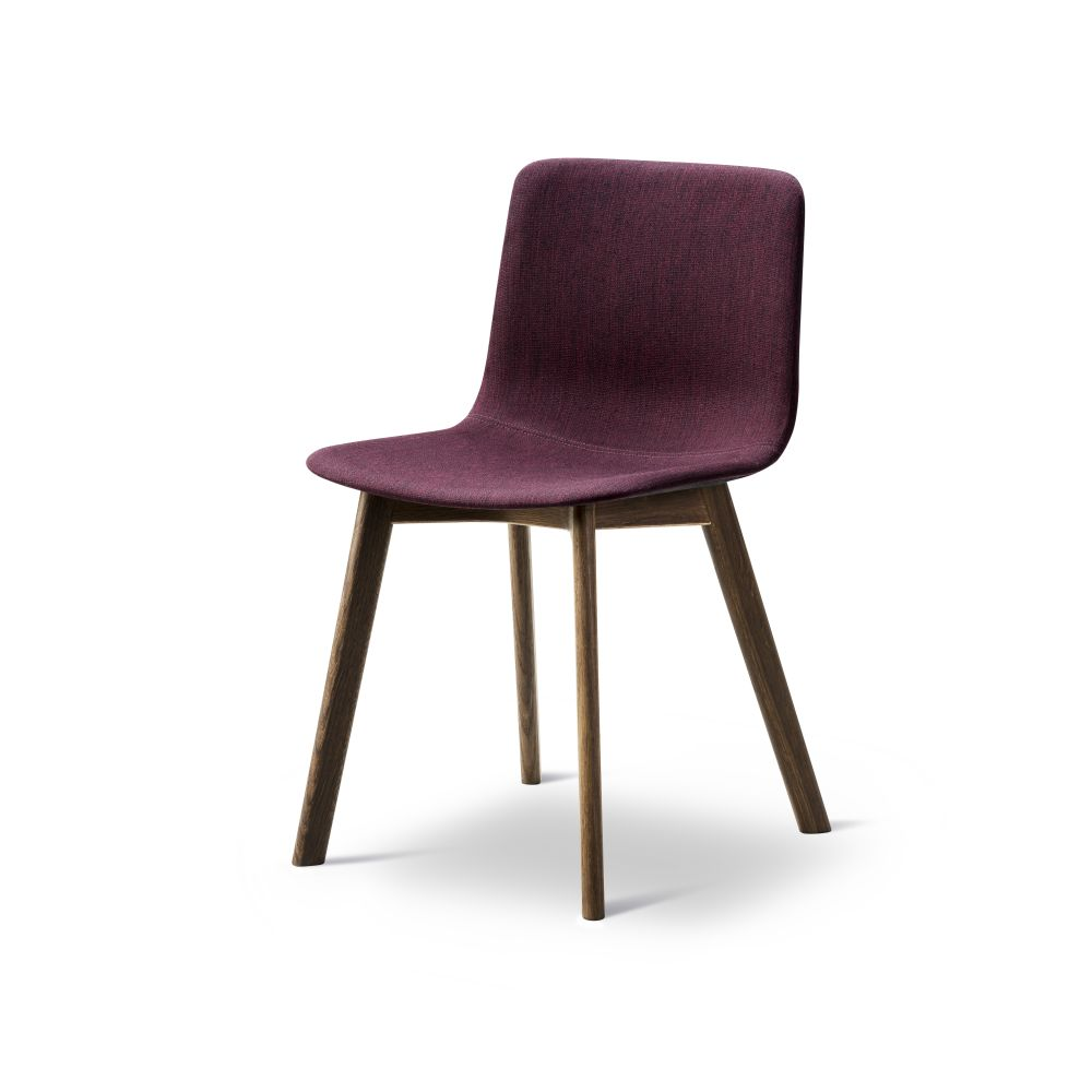 https://res.cloudinary.com/clippings/image/upload/t_big/dpr_auto,f_auto,w_auto/v2/products/pato-wood-base-chair-full-upholstered-fredericia-welling-ludvik-clippings-9474921.jpg