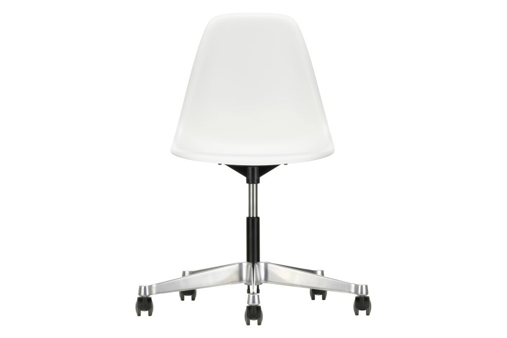 https://res.cloudinary.com/clippings/image/upload/t_big/dpr_auto,f_auto,w_auto/v2/products/pscc-eames-plastic-side-chair-02-castors-hard-braked-for-carpet-04-white-vitra-clippings-11244818.jpg