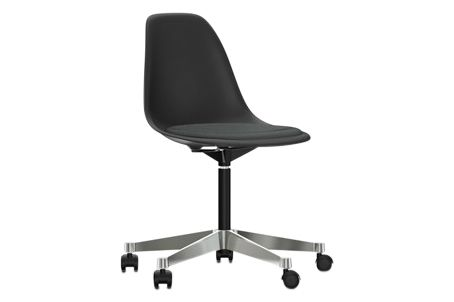 https://res.cloudinary.com/clippings/image/upload/t_big/dpr_auto,f_auto,w_auto/v2/products/pscc-eames-plastic-side-chair-seat-upholstered-01-basic-dark-02-castors-hard-braked-for-carpet-hopsak-05-dark-grey-vitra-charles-ray-eames-clippings-11253610.jpg