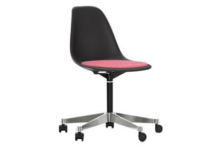 https://res.cloudinary.com/clippings/image/upload/t_big/dpr_auto,f_auto,w_auto/v2/products/pscc-eames-plastic-side-chair-seat-upholstered-01-basic-dark-02-castors-hard-braked-for-carpet-hopsak-68-pinkpoppy-red-vitra-charles-ray-eames-clippings-11253619.jpg