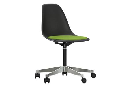 https://res.cloudinary.com/clippings/image/upload/t_big/dpr_auto,f_auto,w_auto/v2/products/pscc-eames-plastic-side-chair-seat-upholstered-01-basic-dark-02-castors-hard-braked-for-carpet-hopsak-70-grass-greenforest-vitra-charles-ray-eames-clippings-11253630.jpg