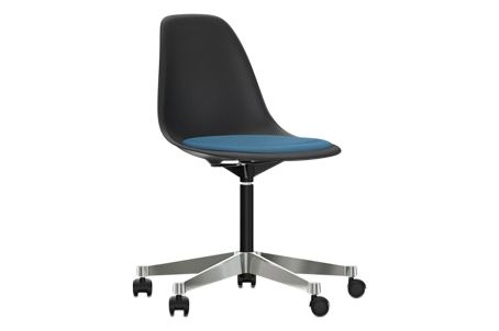 https://res.cloudinary.com/clippings/image/upload/t_big/dpr_auto,f_auto,w_auto/v2/products/pscc-eames-plastic-side-chair-seat-upholstered-01-basic-dark-02-castors-hard-braked-for-carpet-hopsak-84-bluemoor-brown-vitra-charles-ray-eames-clippings-11253637.jpg