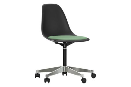 https://res.cloudinary.com/clippings/image/upload/t_big/dpr_auto,f_auto,w_auto/v2/products/pscc-eames-plastic-side-chair-seat-upholstered-01-basic-dark-02-castors-hard-braked-for-carpet-hopsak-86-mintforest-vitra-charles-ray-eames-clippings-11253633.jpg